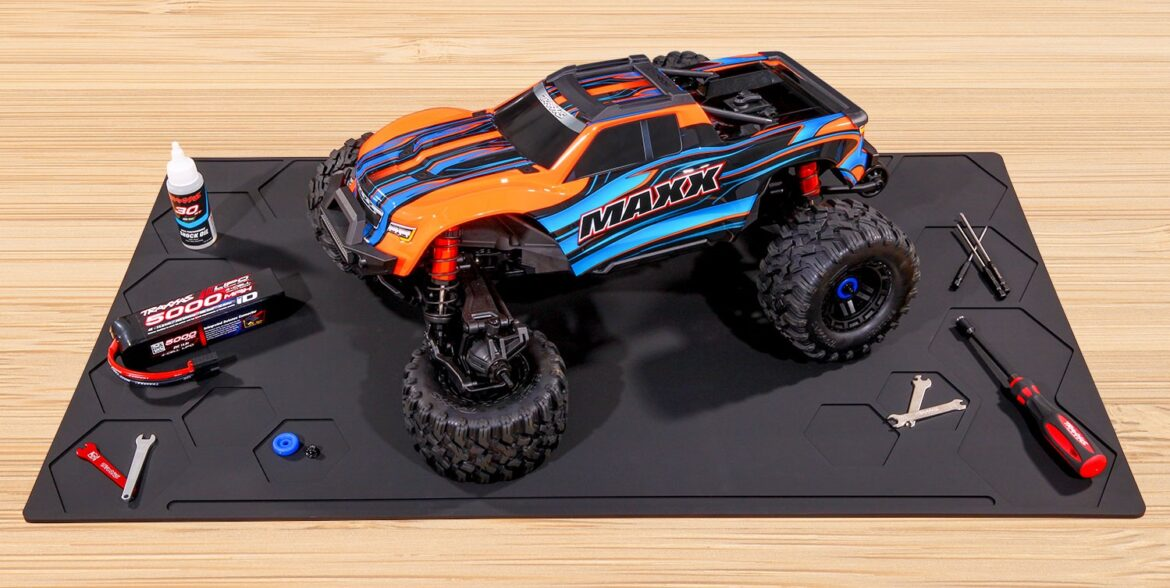 Product Highlight: Traxxas Pit Mats
