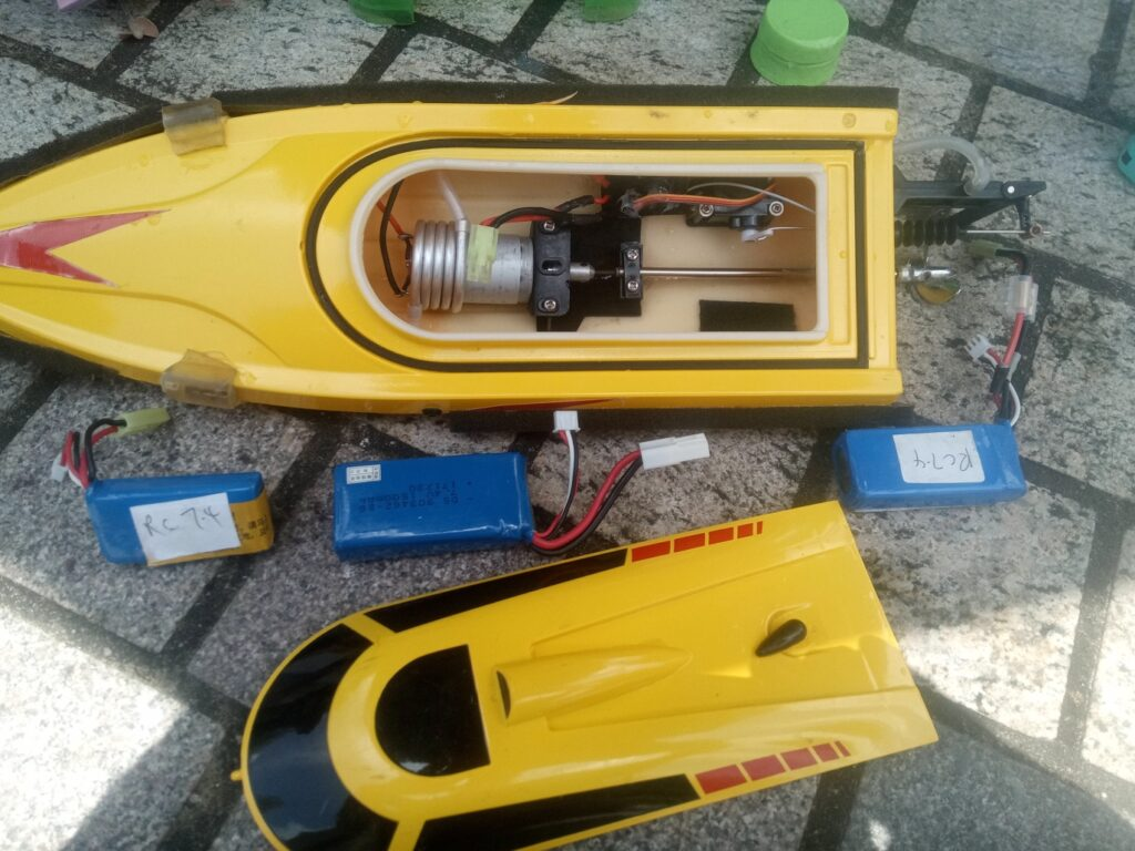 Accommodating larger battery in your RC boat