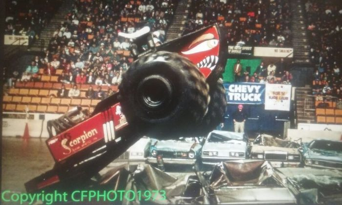 Monster Truck Madness – GET OVER HERE